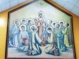 En Pentecostés se conmemora la venida del Espíritu Santo sobre los Apóstoles y la Virgen María.