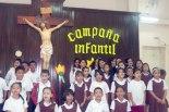 Con mucha alegría estos niños de la Escuela Anexa del Instituto San Francisco interpretaron una canción alusiva al amor.