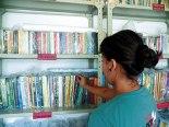 """Ahora Lizeth es encargada de la Biblioteca en """" Reyes Irene""""."""