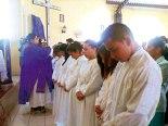 Unción a los catecúmenos antes de la Vigilia Pascual.