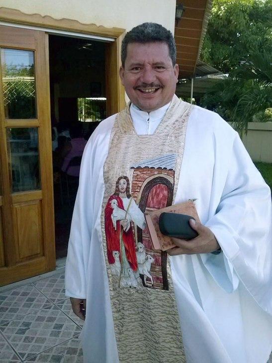Monseñor Héctor Davíd García Osorio.
