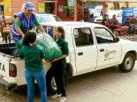 """La familia de Suyapa Medios, a través del Semanario Fides, y su campaña """"Navidad si Frio y con Tamal"""" se hizo presente, con las donación de ropa para niños y familias retornadas."""