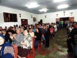 El templo lucía abarrotado, con asistencia de toda la parroquia y parroquias vecinas.