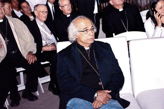 Su Eminencia Leopoldo Brenes.