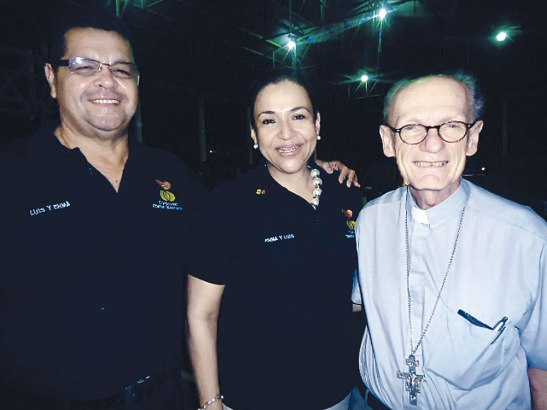 Pareja Coordinadora Diocesana, Junto a Monseñor Guido Charbonneau.