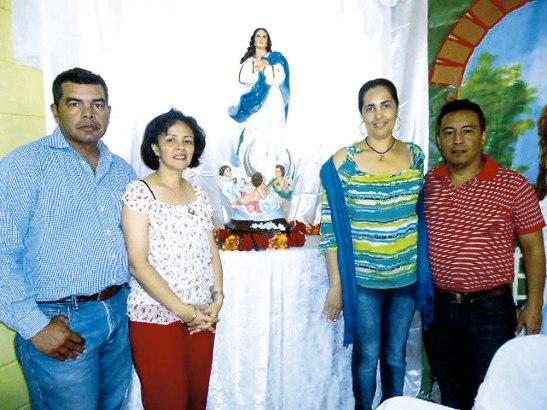 Coordinadores de San Pedro Sula, Luis y Lesly Castellano y la pareja del equipo coordinador de la Diócesis de Choluteca Ernesto y Judith de Colindres.