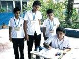 Antes de ejercer su voto para elegir al Gobierno Escolar, los alumnos son capacitados por sus docentes.