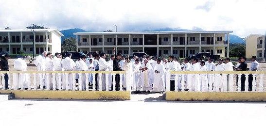 Los sacerdotes y los seminaristas participaron en la inauguración del Centro.
