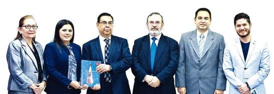 Dra.Leticia Rápalo, Dra. Ericka Valle, Dr. Roberto Hernández Sampieri, Dr. Jaime Núñez, Dr. Mario Meraz director del campus SPS y Dr. Sergio Méndez.