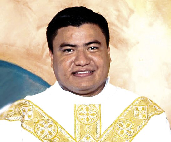 Padre Luis Alfonso Amador.