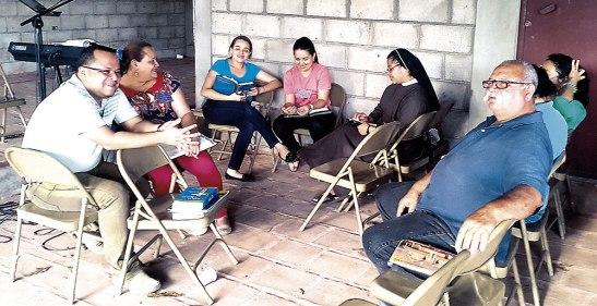 La revisión de grupos ha sido uno de momentos en el retiro espiritual.