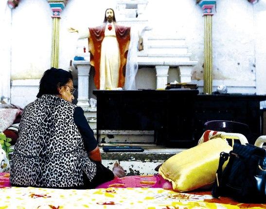 Los cristianos perseguidos se refugian en los templos.