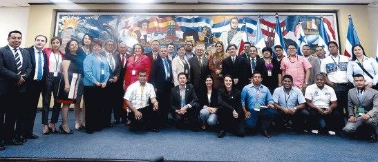 A la reunión asistieron más de 20 rectores de universidades Centroamericanas de Belice y  República Dominicana, así como representantes del (FEUCA).