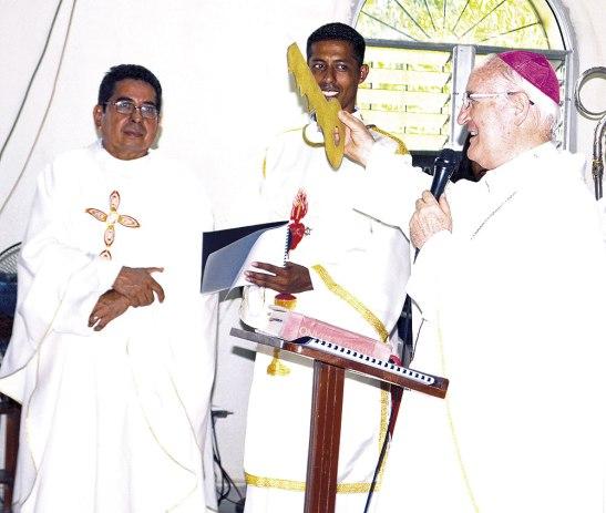 Monseñor Garachana nombró al padre José Guardado como párroco en Monterrey.