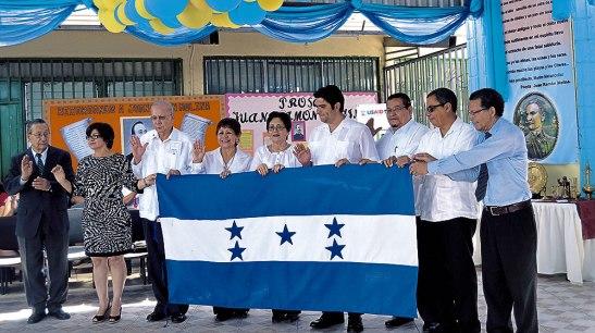 En la celebración se juramentó a la nueva junta directiva del Monumento Juan Ramón Molina.