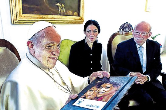 El Papa Francisco firmó recientemente  un acuerdo con el Fondo de las Naciones Unidas para la Infancia (UNICEF) y la Confederación Sudamericana de Fútbol  (CONMEBOL) en el Vaticano.