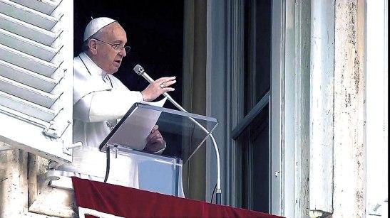 El Papa Francisco reiteró su llamamiento a la comunidad internacional para que evite más tragedias como la ocurrida en el Mediterráneo.