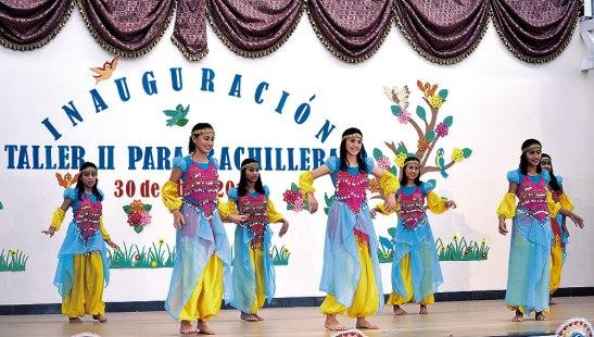 Con las representaciones artísticas las niñas deleitaron al público.
