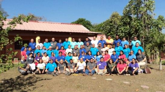 Fotografía general de todos los participantes en este Encuentro Nacional de Directores Espirituales.
