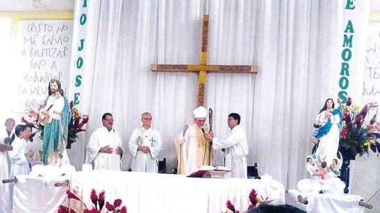 Monseñor Guido Charbonneau y los padres Ángel Portillo, Bernardo Boucher y Florentino González durante la Eucaristía en el día de San José Obrero.