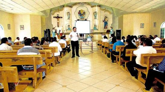 Formador procedente de México en su  participación en el curso de Doctrina Social de la Iglesia.