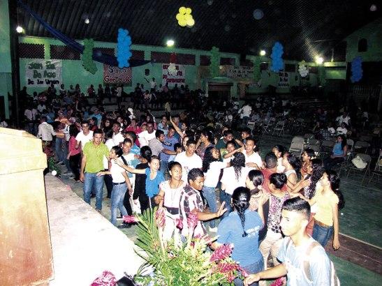 Más de 400 jóvenes asistieron a la jornada diocesana celebrada en Juticalpa.