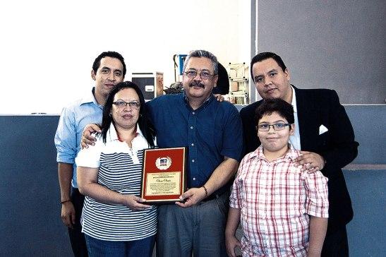 Esposa e hijos le acompañaron a celebrar en este homenaje organizado por el Movimiento Camino.