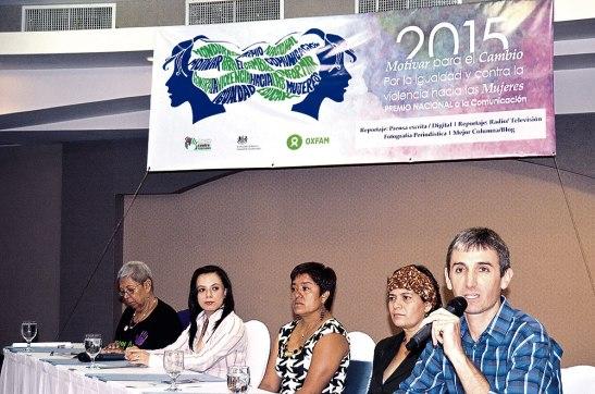 Miembros representantes de las Organizaciones que colaboran con La Tribuna de Mujeres Contra los Feminicidios.
