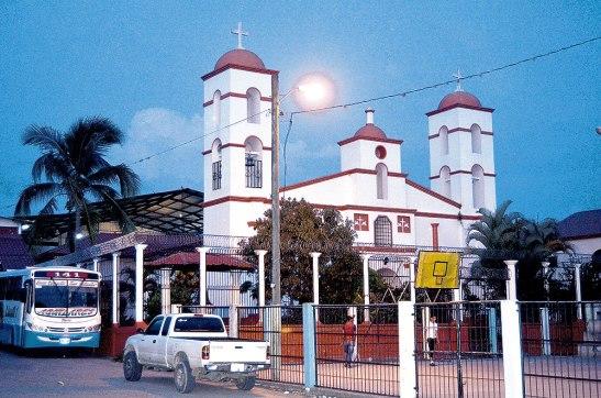 Según los libros de gobierno la parroquia Inmaculada Concepción fue muy descuidada, actualmente se han hecho algunas mejoras.