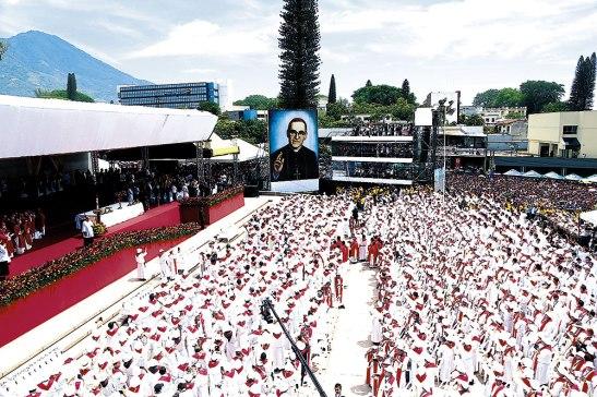 Monseñor Óscar Arnulfo Romero fue declarado Beato este 23 de mayo en la Plaza El Salvador del Mundo.