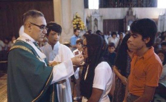 El Padre óscar Romero fue ordenado sacerdote el 4 de abril de 1942 en Roma.
