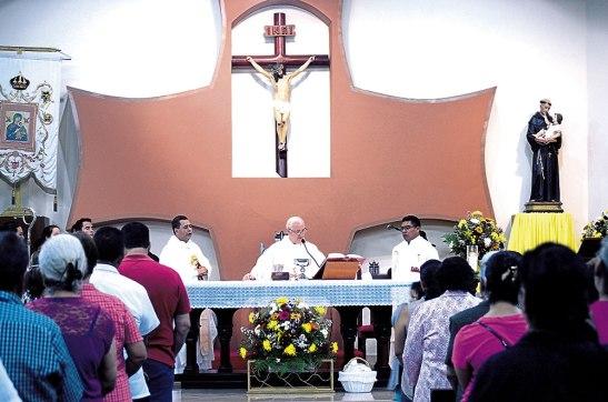 Misa de nombramiento de párroco por Monseñor Ángel Garachana.