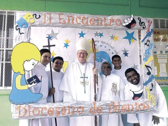 Foto del recuerdo del Encuentro en la que también los seminaristas estuvieron presentes.