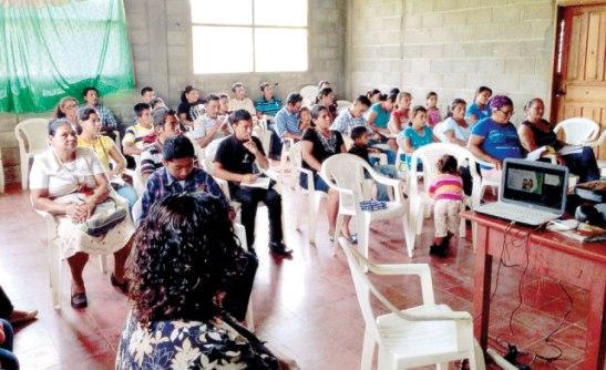 Grupo de hermanos participantes que alistan para impulsar la espiritualidad misionera en los niños.