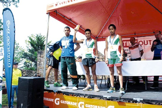 Bernardo Lemus, Gualberto Méndez Pérez,  Wuelsen Paulino Mazariegos Bueso, ganadores del primer lugar en categoría general.