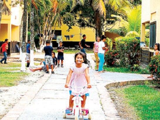 Aldeas Infantiles SOS atiende actualmente a 742 niños y niñas que viven en diferentes hogares en los cinco aldeas en el país.