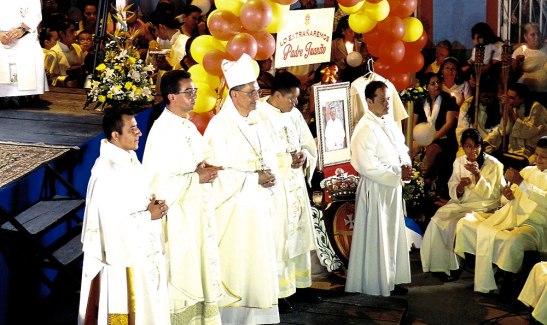 Monseñor Juan José Pineda, fray José Luja Pérez superior provincial de la orden mercedaria, y los frailes Marino y Gerardo, recordaron con cariño al padre Juanito.