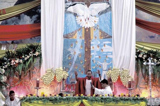 En la parroquia El Calvario se manifestó  intensamente la oración, esto sólo es una muestra de lo que se da en todas las parroquias.