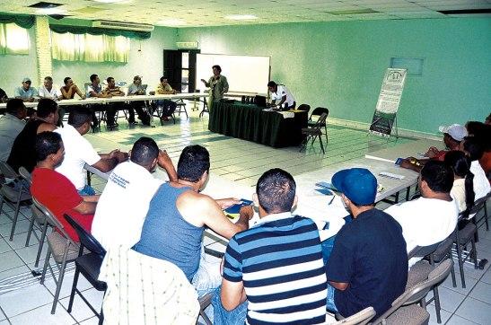 Un grupo de personas discapacitadas de la  zona de Francisco Morazán y Comayagua se reunieron para buscar estrategias de ayuda.
