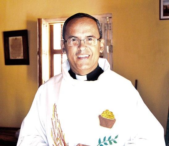 Padre Tony Salinas, representante de la Conferencia Episcopal en el Diálogo Nacional.