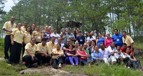 Grupo de parejas que participó en el Encuentro Conyugal.