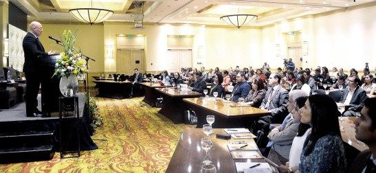 Representantes del UNFPA y diferentes representantes de instituciones y sociedad civil.