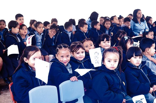 Primer centro educativo trilingüe del país, festeja su fiesta patronal