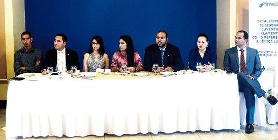 Diputados y representantes de los partidos políticos, presentes  en el lanzamiento del Proceso de Consulta.