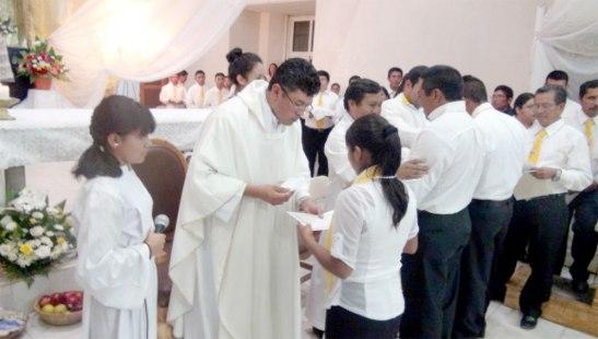 La Eucaristía de clausura fue concelebrada  por los párrocos de ambas comunidades.