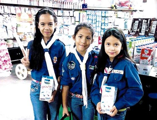 La Asociación Nacional de Scout siempre colabora en esta actividad altruista en favor de los más necesitados.