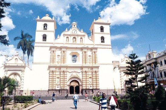 El próximo dos de febrero del 2016, la Arquidiócesis de Tegucigalpa cumplirá su primer centenario de creación.