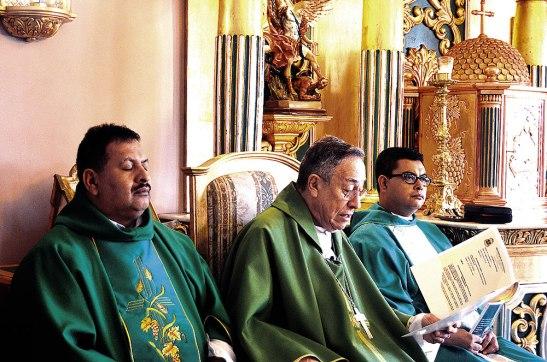 """""""La Iglesia Católica que peregrina en la Arquidiócesis de Tegucigalpa, se adhiere por medio  de ustedes mis queridos  sacerdotes,  para que ustedes ayuden a crear esa consciencia de la Casa Común"""" Cardenal Rodríguez."""
