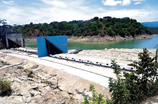 Actualmente la represa Los Laureles cuenta con un 53.20% de su                                   capacidad, lo que significa 5.59 millones de metros cúbitos de agua.