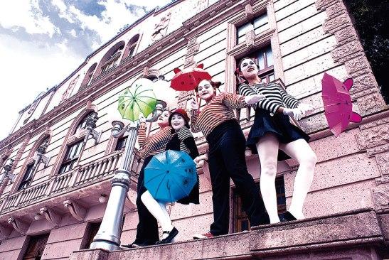 Mujeres en las artes desarrollan actividades en diferentes partes del casco Histórico de Tegucigalpa.